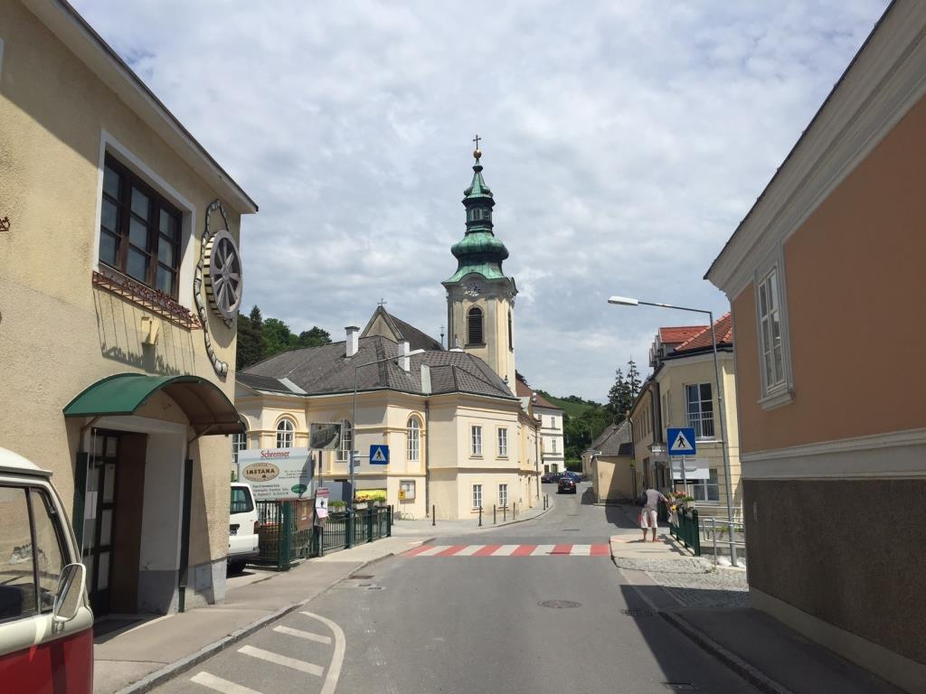 ERSTBEZUG-DACHTERRASSENWOHNUNG IM ZENTRUM VON WEIDLING/KLOSTERNEUBURG