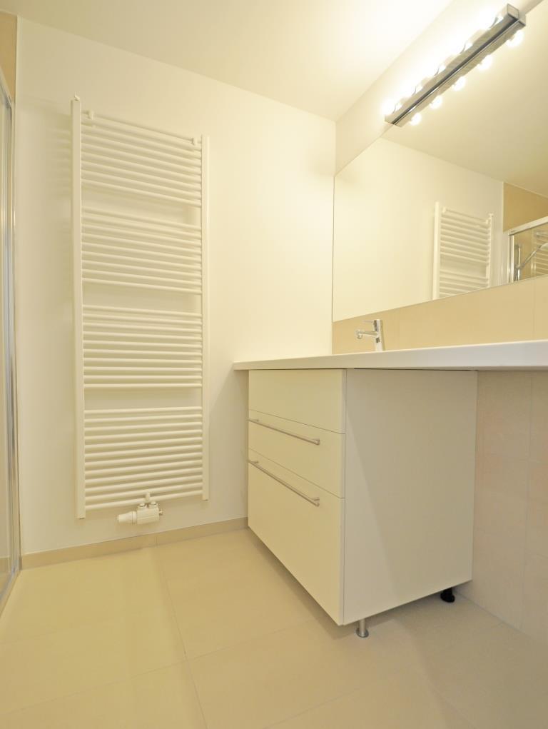 ERSTBEZUG nach GENERALSANIERUNG - SONNIGE, TOP ausgestattete 3 Zimmer Wohnung