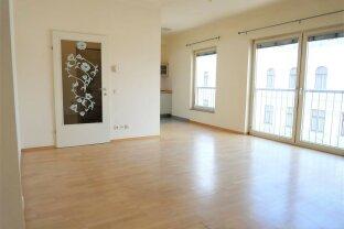 Toplage: renoviertes 51m² Büro mit Einbauküche Nähe Hoher Markt!