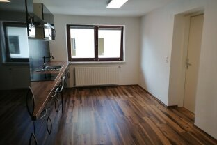 BAD ISCHL: 2-Zimmer Wohnung mit Balkon - Zentrumsnah