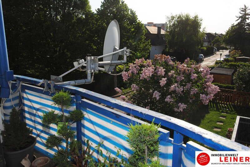 Schwechat: Top gepflegte 3 Zimmer Eigentumswohnung mit sonniger, ruhiger Loggia! Objekt_8939 Bild_895