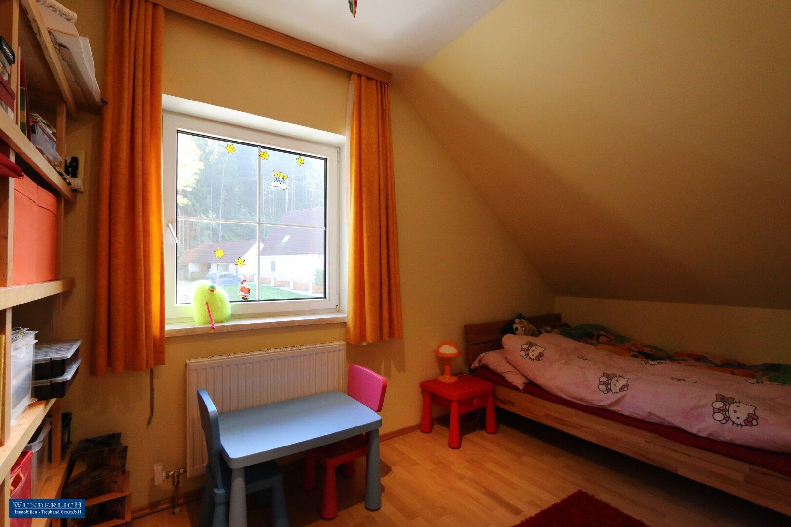 2. Kinderzimmer im Obergeschoß