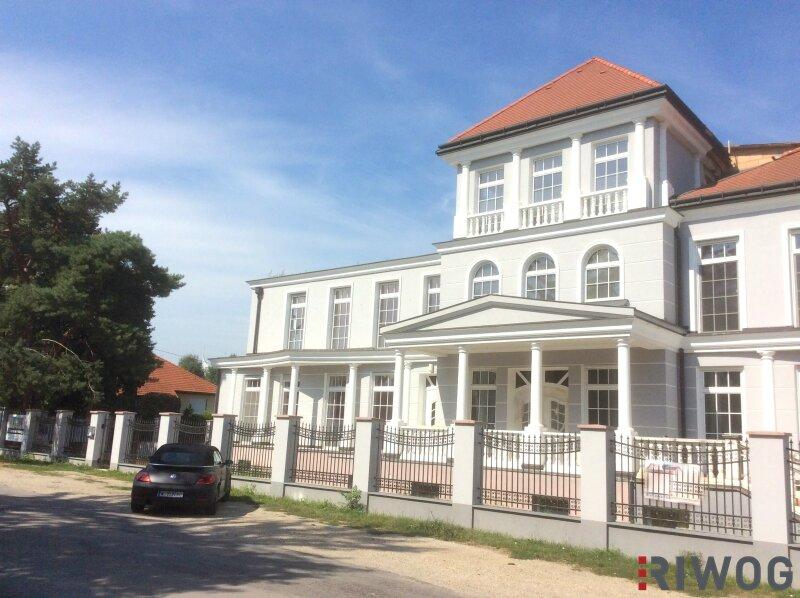 HERRSCHAFTLICH Wohnen - High-End Villa-Residenz auf höchstem Niveau - TOP 3 /  / 1220Wien / Bild 0