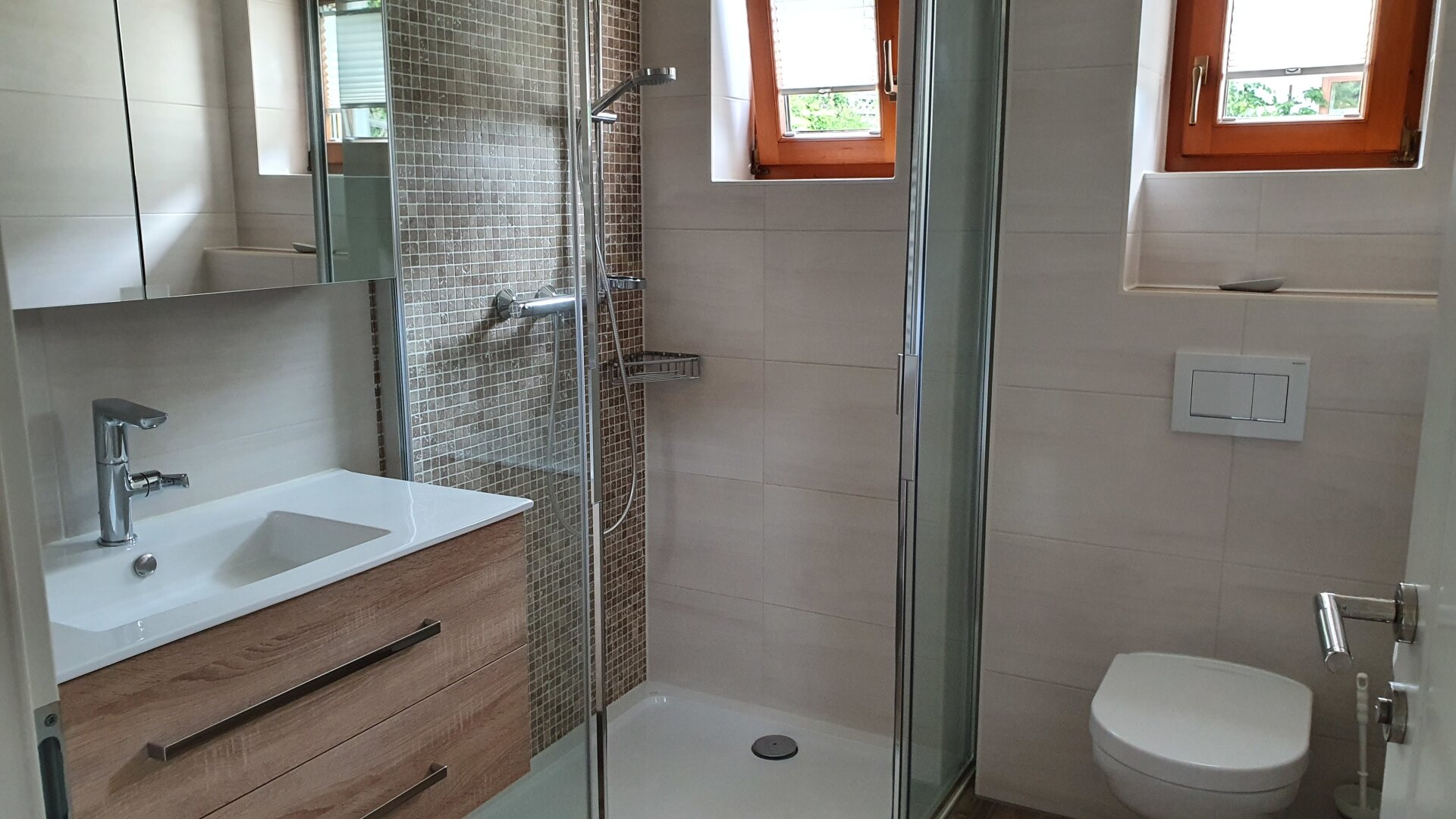 Bad mit WC im EG Ansicht 1, Einfamilienhaus Fieberbrunn