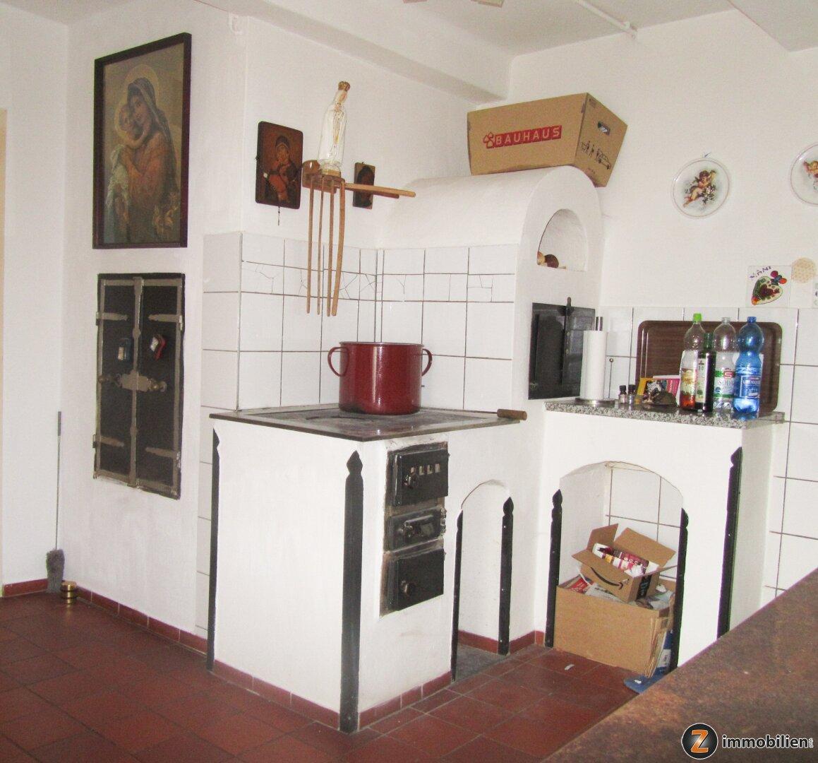Nostalgischer Küchenofen mit Selch