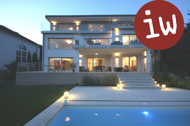 Villa der Premiumklasse in zentraler Lage, sensationeller Fernblick