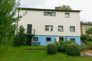 Großzügige Liegenschaft mit zwei Wohnhäusern und 15 Garagen. - Im Zentrum von Pöls.