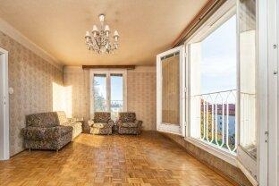 NEU: Helle, renovierungsbedürftige Wohnung, verkehrsgünstig gelegen