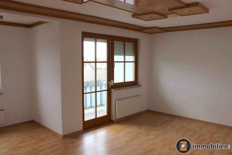 Eltendorf: Gepflegte, sonnige Wohnung