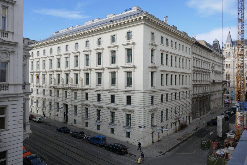 Herrschaftliche Altbauwohnung zwischen Parlament und Rathaus /  / 1010Wien / Bild 11