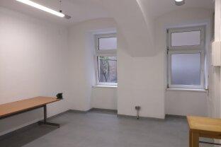 Atelier/Büro mit Lager in sehr guter Lage, Innenhofnutzung möglich