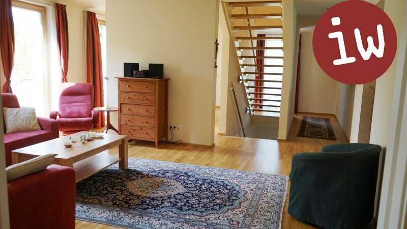 Geräumiges Einfamilienhaus in idyllischer 7.000 m² Grün-Lage mit Blick auf den Ölberg Objekt_377 Bild_86