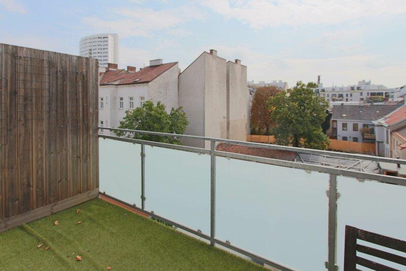 Hochwertige DG Wohnung mit Balkon und Designküche! /  / 1160Wien / Bild 5