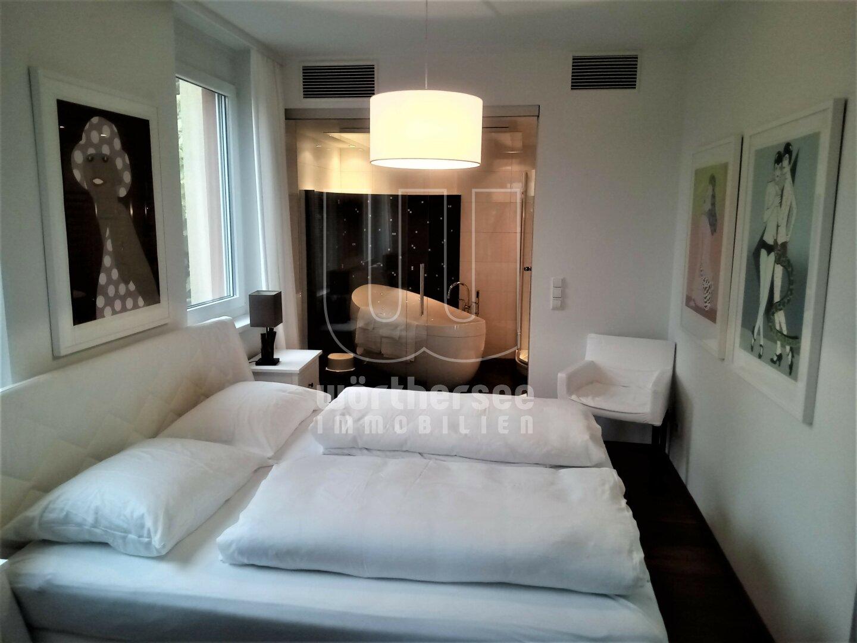 modernes Styling -Schlafzimmer und Bad