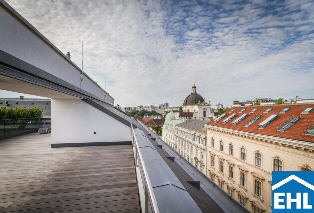 Sonnige Dachgeschosswohnung ohne Schrägen im Botschaftsviertel