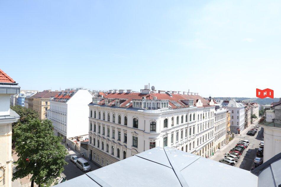 Neu sanierte Dachgeschosswohnung mit Südost-Loggia und Schönbrunn-Blick