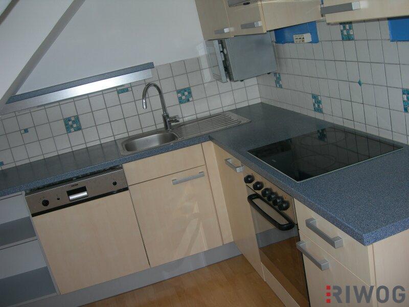 ++ Neu renovierte Dachgeschoss Wohnung - Kreuzbergl ++