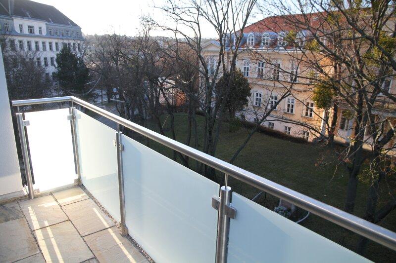 Terrasse  U N D  Balkon!! 30m²-Wohnküche + Schlafzimmer, 3.Stock Bj. 2017, Obersteinergasse 19 /  / 1190Wien / Bild 2