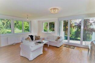 Wunderschöne 2 Zimmer-Neubau-Wohnung inkl. Garage, Küche und Balkon beim Schloss Laudon