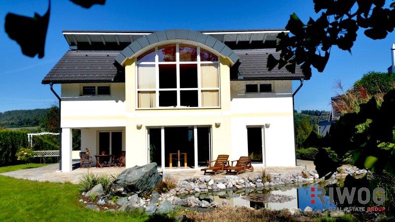 Repräsentative Villa mit mediterranem Charme