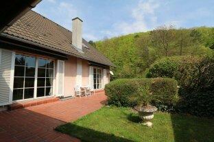 Großräumiger Familienwohnsitz in Grünlage