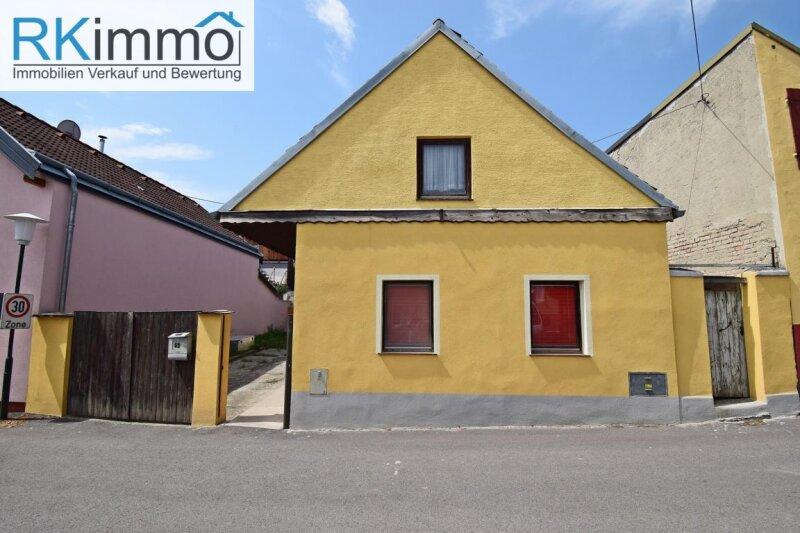 Landhaus im wunderschönen Kurort Bad-Pirawarth mit Innenhof und Gewölbekeller