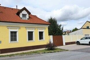 Einfamilienhaus 103m2 WFL, ausbaufähiger Dachboden, zusätzliche Baufläche, charmanter Garten. Trautmannsdorf.