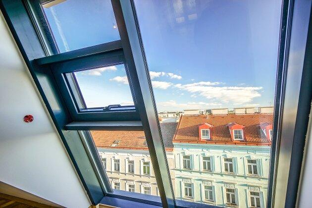 Foto von NEU! ++ ERSTBEZUG:  5 Dachgeschosswohnungen (3-5 Zimmer), Balkon/Loggia/Terrassen/Dachterrassen mit 360 Grad Wienblick, 4 Auto Stellplätze (Top 58) ++