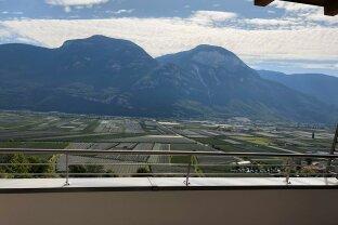 Top gepflegte 3 Zimmer Maisonettewohnung in Kurtatsch / Südtirol mit Traumaussicht !!!