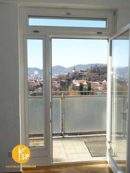 Erstklassige Raumaufteilung, tadellose Ausstattung, frisch renoviert, einmalige Aussicht !