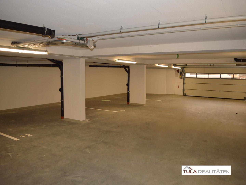 Garagenplatz (im Gebäude)