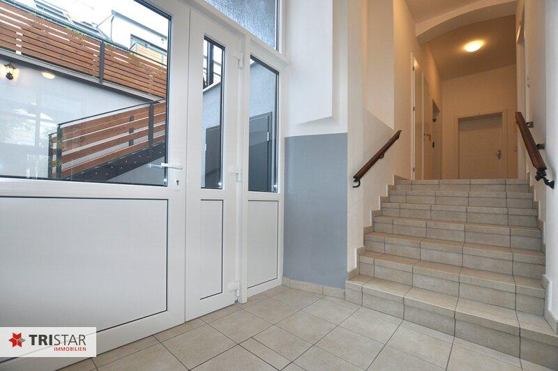 ++NEU++ 3-Zimmer-Dachgeschoßwohnung mit großer Dachterrasse im Generalrevitalisierte Altbau-Haus ++Nähe U-Bahn (U3) +++ /  / 1150Wien / Bild 7