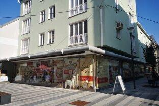 Eck-Geschäftslokal mit großzügiger Verkaufs- & Lagerfläche in Bestlage