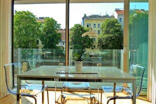 Moderne vollmöblierte Stadtwohnung am Wienfluss