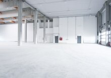 Storage in Warehouse 650 m2 + Office space 341 m2 combination south of Vienna in Wr. Neudorf, Austria