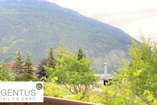 FAMILIENTRAUM: Neusanierte 4-Zimmerwohnung mit wunderschöner Süd-West-Terrasse und tollem Ausblick