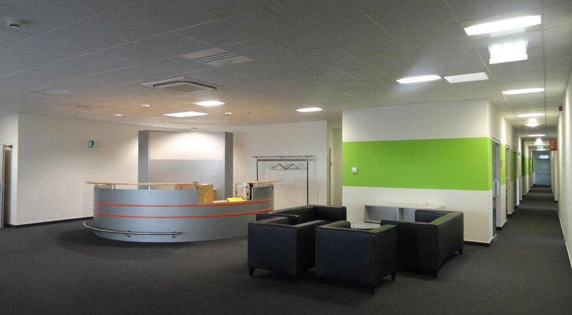 10€/m² netto! Klimatisierte, ca. 3.800 m² Bürofläche (teilbar) mit Terrasse auf einer Ebene, voll ausgestattet!