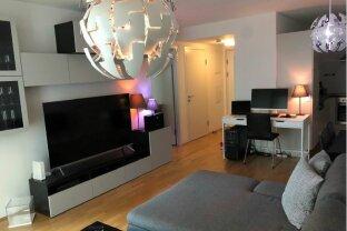 Möblierte Zwei-Zimmer-Wohnung (optional) mit Loggia in internationaler Lage ab 01.05.2020 verfügbar !