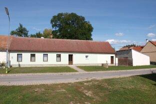 """PREISREDUZIERT: """"Küche-Zimmer-Kabinett"""" - kleines Landhaus mit Garten und Nebengebäude"""