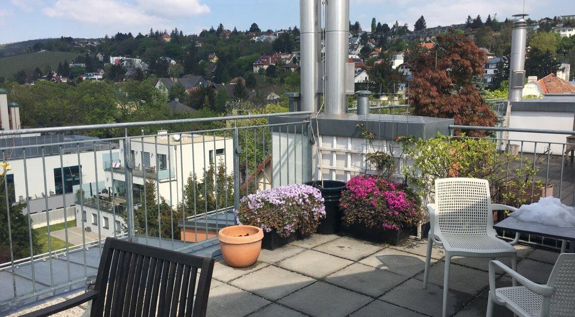 1170 Nahe Alszeile! Tolle 4-Zimmer DG Maisonette mit großer Terrasse und Tiefgaragenstellplatz ab April 2021!