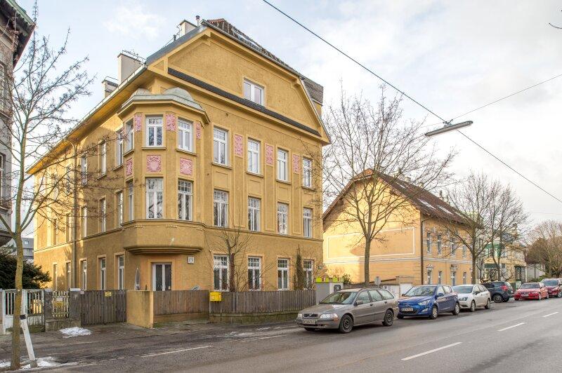 ++NEU++ ERSTBEZUG: Kernsanierte DG-Wohnung in Stilvilla! idyllischer Garten! **perfekt für Anleger** /  / 1140Wien / Bild 10
