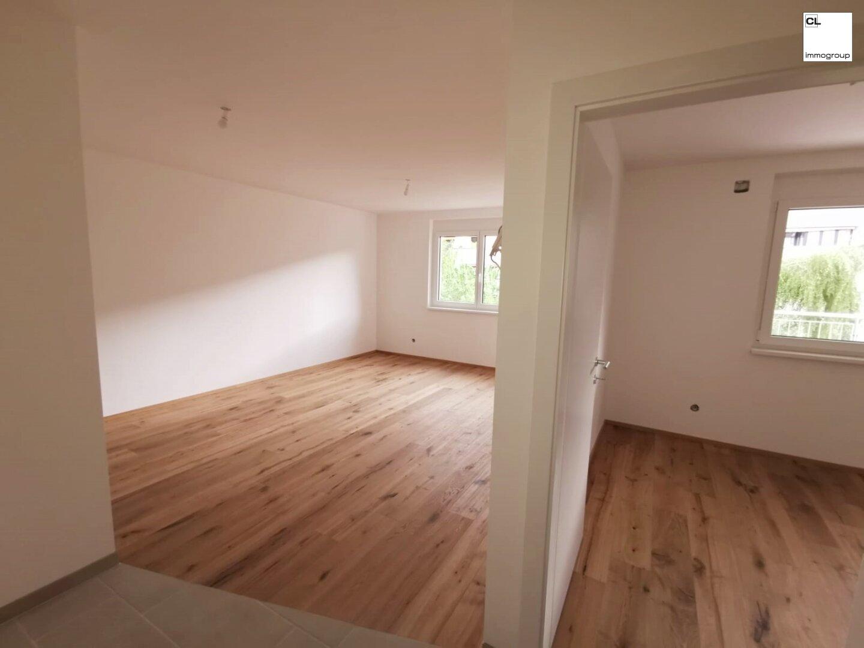 Wohnraum und Küche - Schlafzimmer - Demo