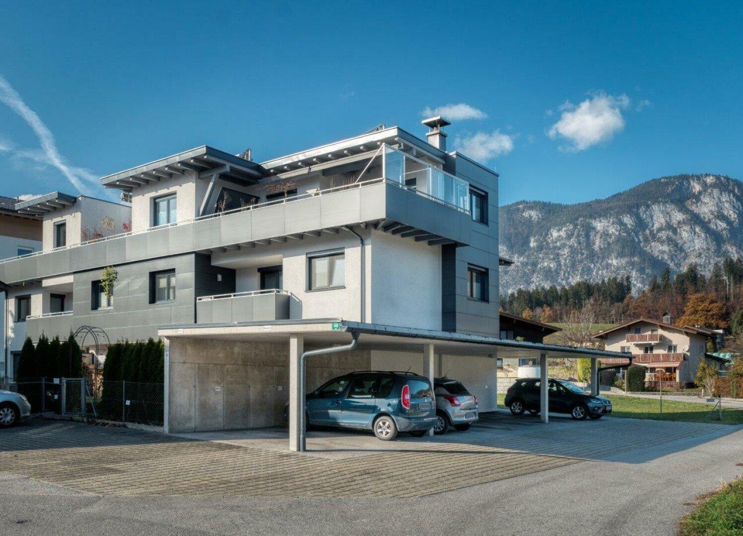 Ansicht und Carport, 4-Zimmer Maisonette Wohnung, Schwoich