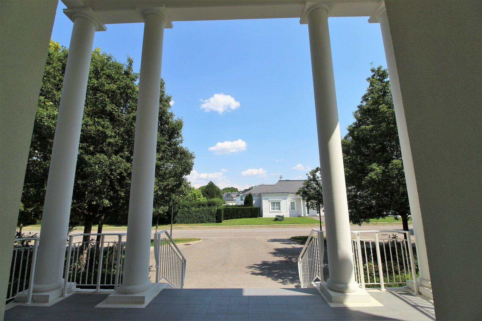 Hauseingang straßenseitig