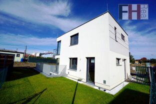 Exklusive Villen, 142m² Wohnfläche auf 3 Ebenen, 4-5 Zimmer, Balkon + Terrasse, schlüsselfertig, optional Pool!