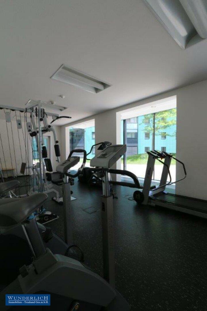 Fitnessbereich im Erdgeschoß