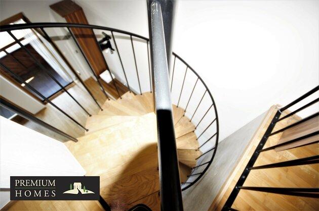 Breitenbach-Dorf-Mietwohnung-Galerie-Treppe