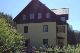 ALTAUSSEE: Schöne, helle 3-Zimmer Wohnung mit Wintergarten