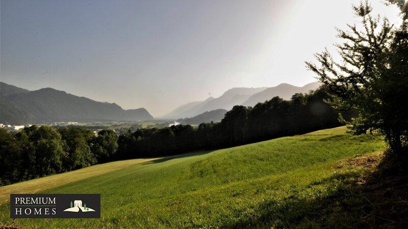 BREITENBACH am Inn - Alte Villa auf riesigem Grundstück zur Sanierung_Blick von der Terrasse Richtung Südwesten