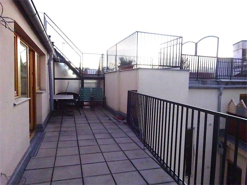 Terrassenhit im Zentrum Wiens: Dachgeschoß-Maisonette (Aufstockung 1997), 125 m2 Wohnfläche + 20 m2 Terrasse, 4 getrennt begehbare Zimmer, Linie 1 + 62 + WLB-Laurenzgasse! /  / 1050Wien / Bild 10